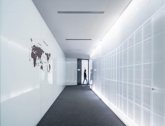 Office Corridor. Image © Qingshan Wu