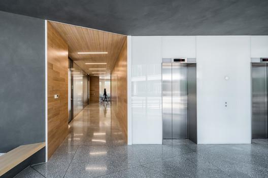 1F Corridor. Image © Qingshan Wu