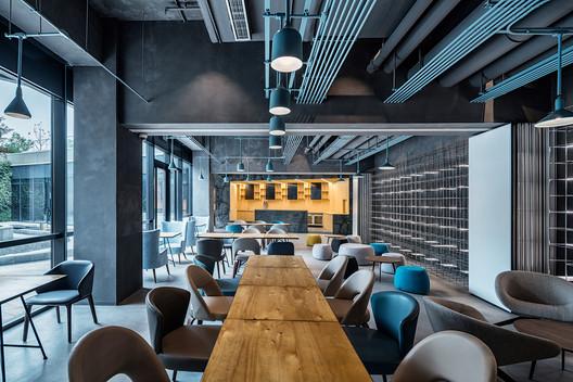 Multifunctional Cafe. Image © Qingshan Wu