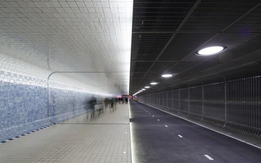 Cuypers Passage, Amsterdam / Benthem Crouwel Architects. Image Courtesy of 611