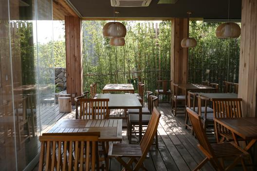 Overhead dining area. Image © Bo Gao