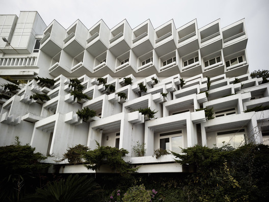 Branko Žnidarec. Hotel Adriatic II. 1970–71. Opatija, Croatia. Exterior view. Photo: Valentin Jeck, commissioned by The Museum of Modern Art, 2016