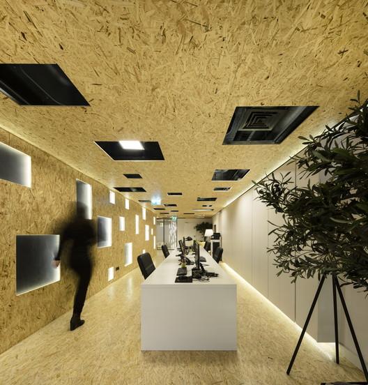 Padaria Portuguesa Office  / João Tiago Aguiar Arquitectos