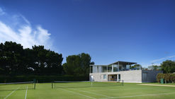 Canoe Lake Leisure Tennis Pavilion / PAD studio