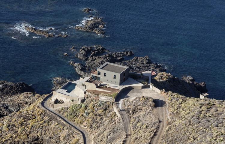Casa en el Puerto de la Madera  / Alejandro Beautell, © José Oller