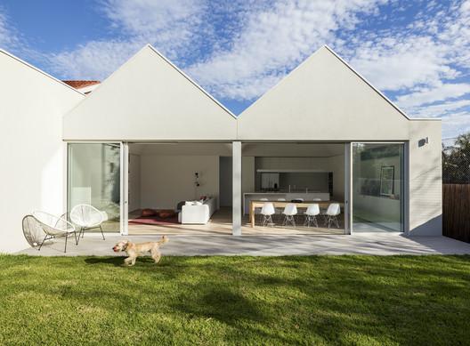Residencia SSK / Davidov Partners Architects. Image © Jack Lovel
