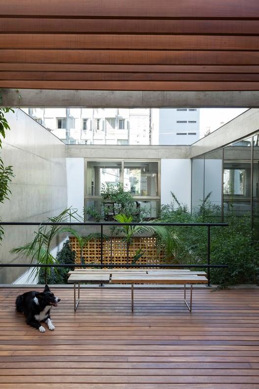 Casa Jardins / CR2 Arquitetura. Image © Fran Parente