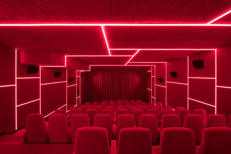 Delphi LUX, Cinema / Batek Architekten + Ester Bruzkus Architekten, © Marcus Wend