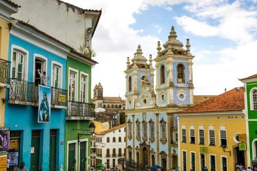 Salvador. Foto: Bigstock. Image Cortesia de HAUS
