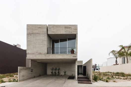 Casa Río / graciastudio
