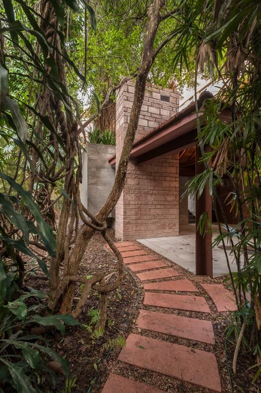 Casa Lutzenberger / Kiefer Arquitetos, © Fábio Del Re - Carlos Stein