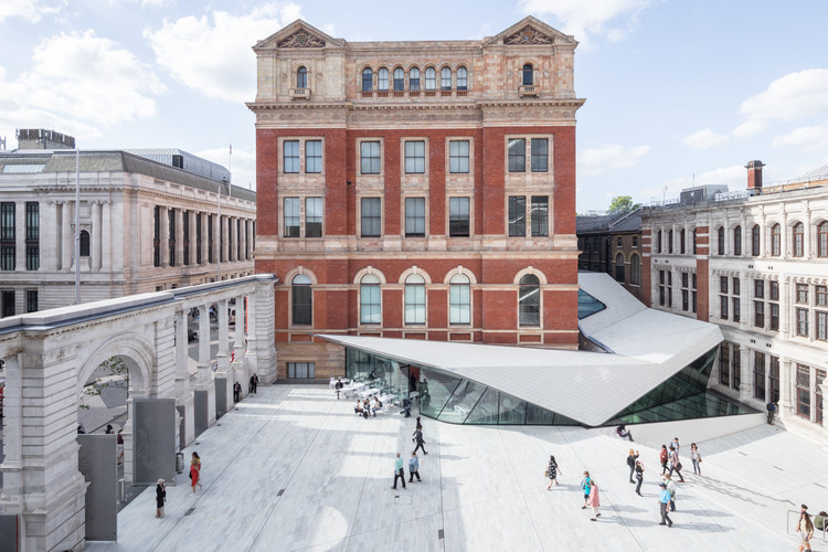 Porcelain Tiles Add a Sleek Modern Accent to AL_A's Courtyard Expansion at London's V&A Museum, © Laurian Ghinitoiu