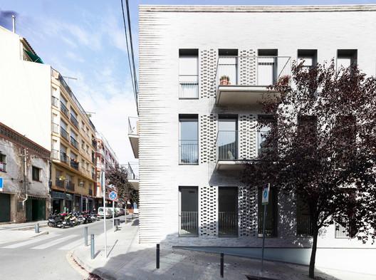Avinguda Catalunya 11 / FITA