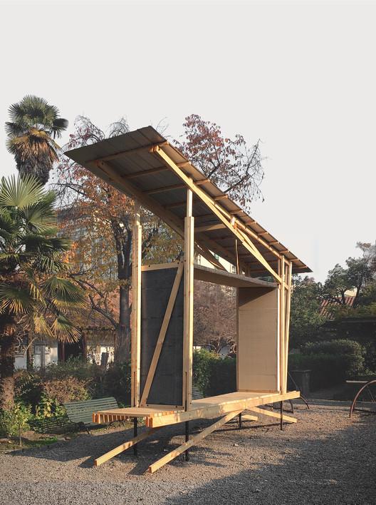 Título—Gran Ganador: Arquitectura y Emergencia / Cristian Fuhrhop. Image Cortesía de Arquitectura Caliente