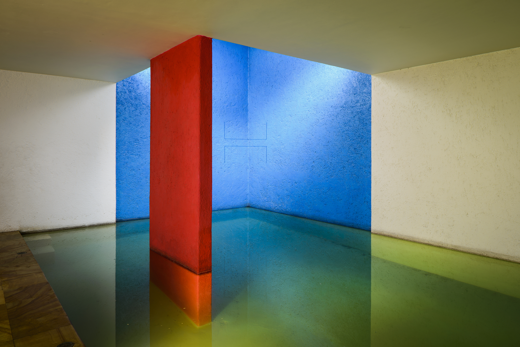 How Luis Barrag 225 N Used Light To Make Us See Color Archdaily