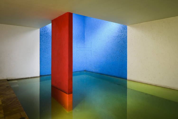 La importancia de la luz en las vibrantes obras de Luis Barragán, © 2018 Fundación Barragán, Switzerland/SOMAAP; Archivo Fred Sandback