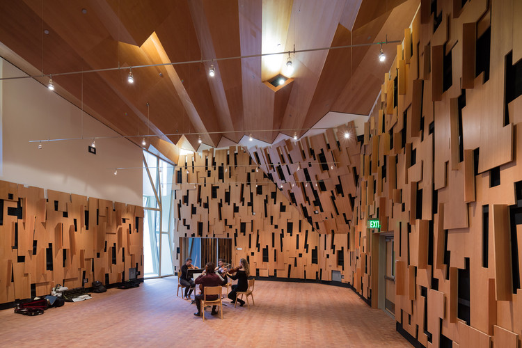 The Evelyn and Mo Ostin Music Center / Kevin Daly Architects, © Iwan Baan