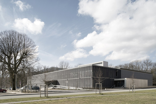 Social and Cultural Center in Giromagny  / Malcotti Roussey Architectes + Thierry Gheza