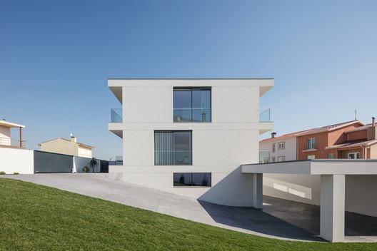 Aguçadoura House / Raulino Silva Arquitecto