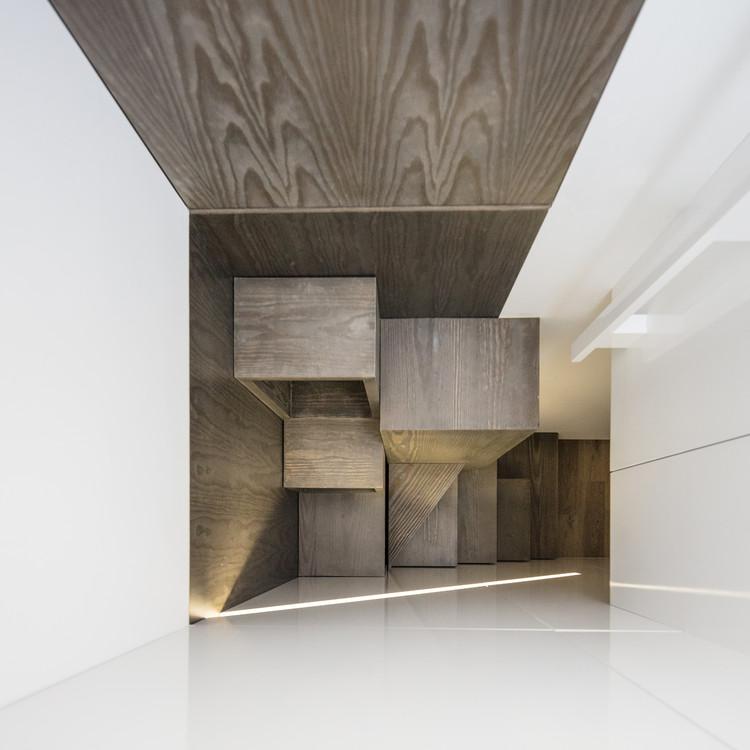 Departamento en Vila do Conde / Raulino Silva Arquitecto, © João Morgado