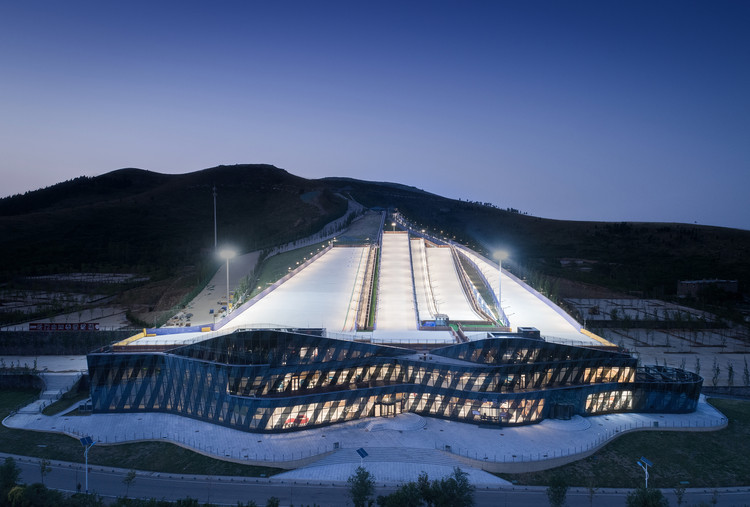 Yunmen Mountain All-Seasons Ski Resort / ATAH + MADA s.p.a.m., © Feng Shao