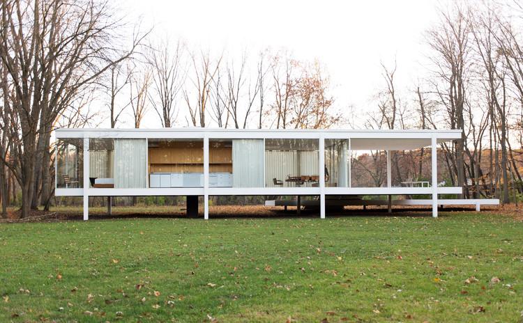 """Diseña la Casa Farnsworth en Revit con BIM en este tutorial paso a paso, © <a href=""""//commons.wikimedia.org/wiki/User:Victorgrigas"""">Victor Grigas</a>, bajo licencia <a href=""""https://creativecommons.org/licenses/by-sa/3.0"""">CC BY-SA 3.0</a>. ImageCasa Farnsworth / Mies Van Der Rohe"""
