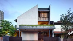 Cascading Courts  / HYLA Architects