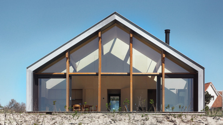 Recreational Villa Terschelling / 2by4-architects, Courtesy of 2by4 Architects