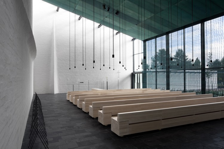 The Intangible Material Light in Architecture