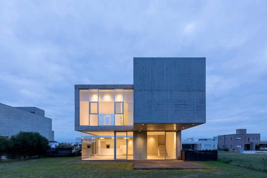Detached House in San Sebastian / Brigati - Polak Arquitectos