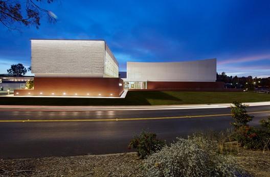 Centro deportivo Cal Maritime / WRNS Studio
