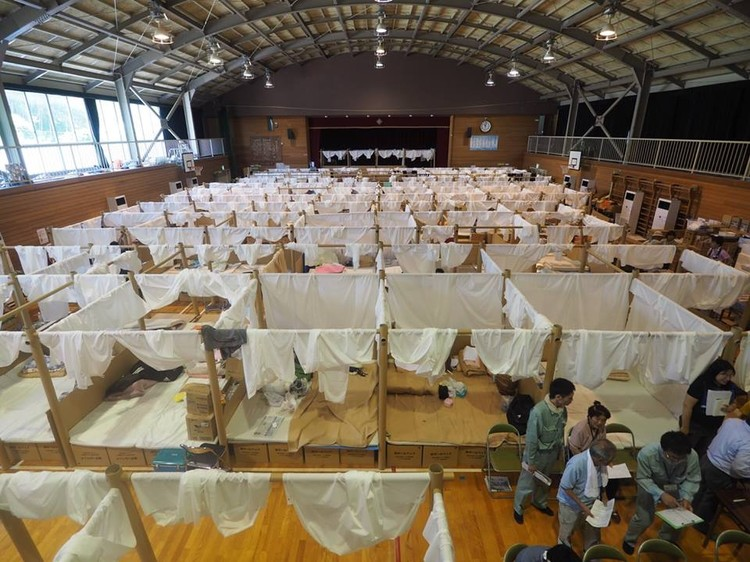 Shigeru Ban Creates Temporary Shelter System for Japanese Flooding Victims, Courtesy of Voluntary Architects' Network