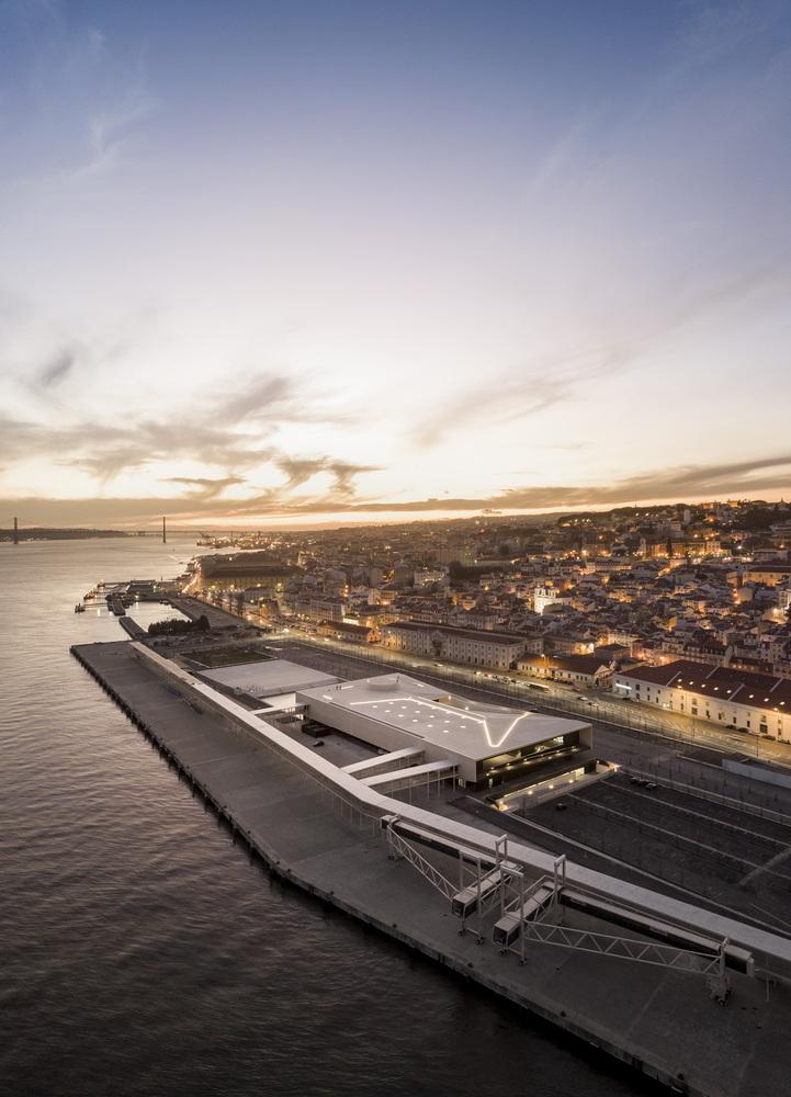 Terminal de Cruzeiros de Lisboa / Carrilho da Graça Arquitectos