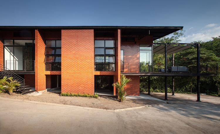 Kanchanaburi House  / Anghin Architecture, © Gregoire Glachant