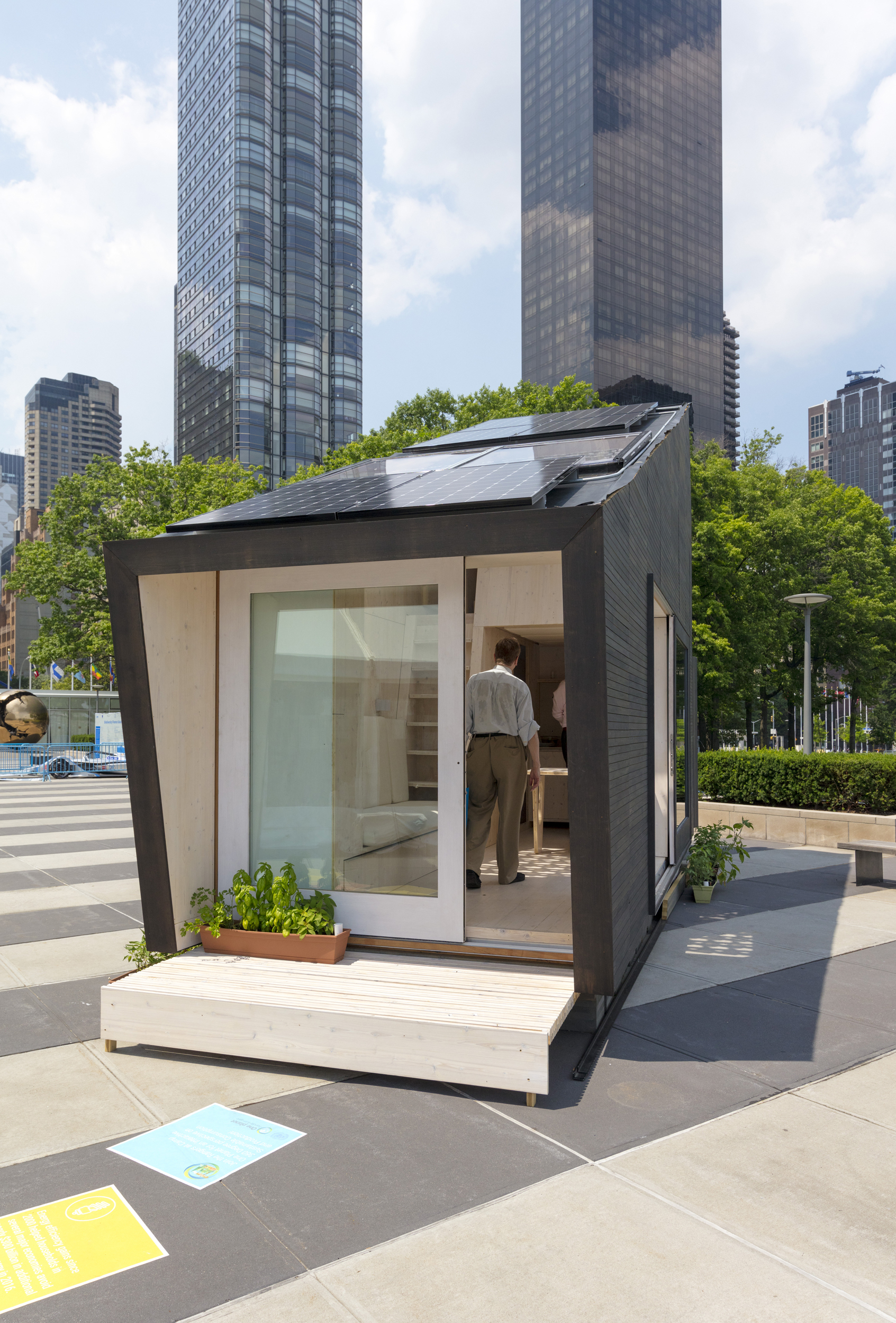 """Gallery of UN and Yale University Unveil """"Tiny House"""" as the Future of Eco-Living  - 2"""