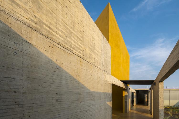 Ganadores XV Bienal Nacional e Internacional de Arquitectura Mexicana 2018, efugio para Mujeres Víctimas de Violencia / Arq. Omar González y Arq. Hugo González Pérez. Image