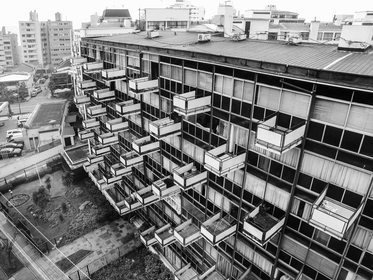Clásicos de Arquitectura: Edificio Montecarlo II / Schapira Eskenazi Arquitectos, © María González