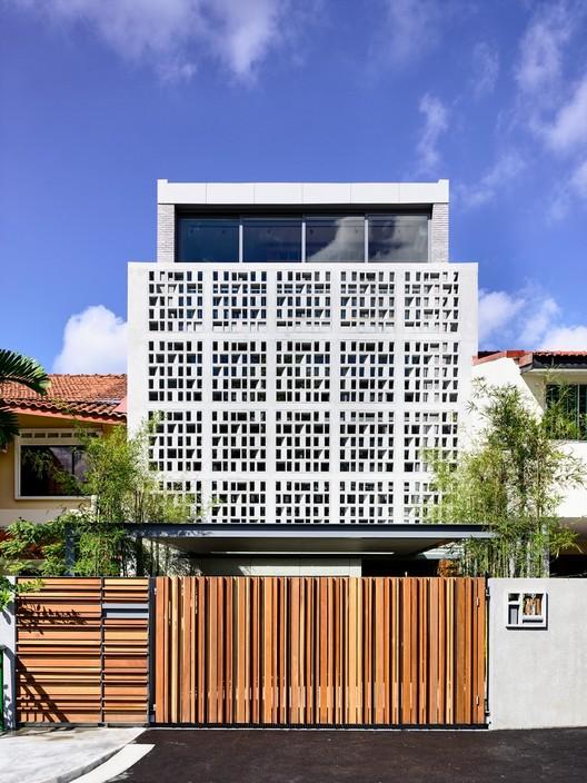 Intermediate Stories / HYLA Architects, © Derek Swalwell