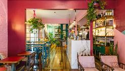 Botanique Café. Bar. Plantas / Moca Arquitetura
