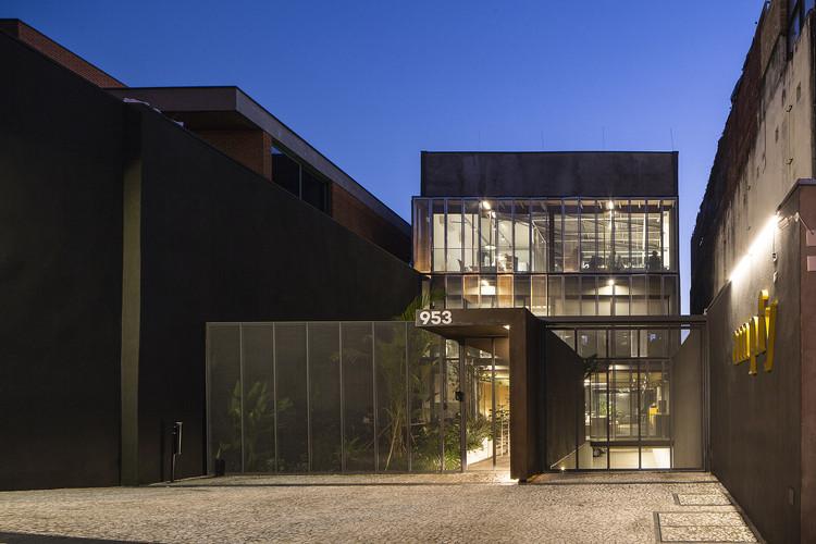 Edifício Girassol / Reinach Mendonça Arquitetos Associados, © Tony Chen