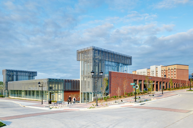 Coralville Intermodal Facility / Neumann Monson Architects, © Integrated Studio