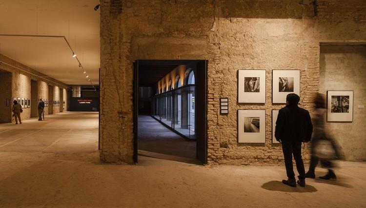 Espacio de Exposición de Arte Contemporáneo en un Convento / Sol89, © Fernando Alda
