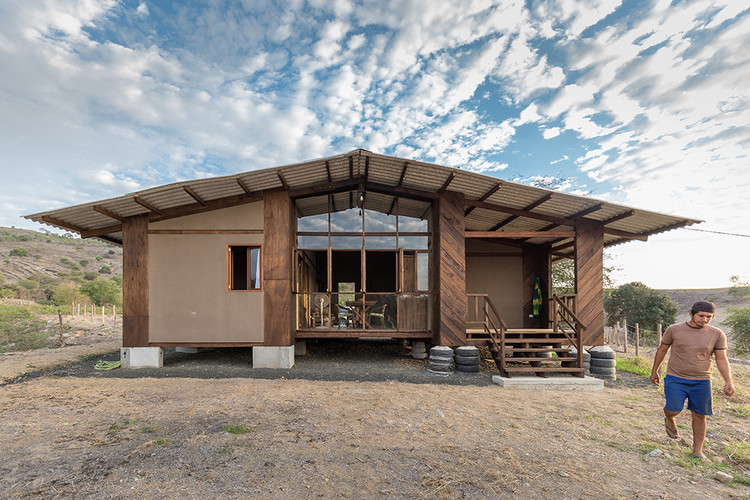 Post-Earthquake Prototype – Rural Dwelling / AL BORDE + El Sindicato Arquitectura, © JAG Studio
