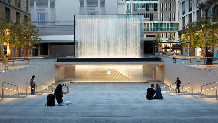 Foster + Partners' Milan Apple Store Opens to the Public With Dramatic Waterfall Entrance , Courtesy of Apple