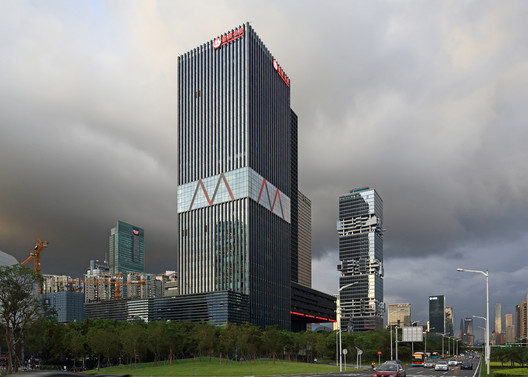 Street view from the south-west along Shennan Road. Image © Guangyuan Zhang