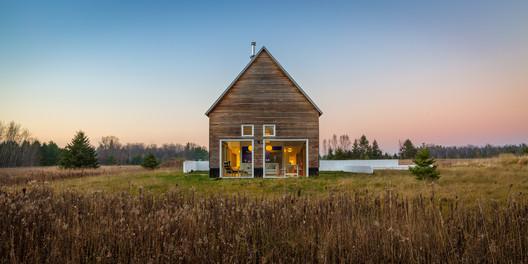 House for Beth / Salmela Architect