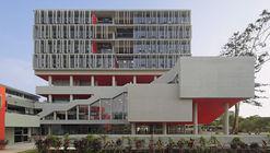 Complejo Académico PUCP / Enrique Santillana + Tandem arquitectura + Jonathan Warthon