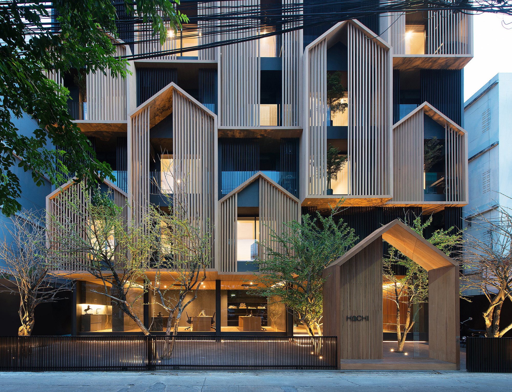 HACHI Serviced Apartment / Octane architect & design