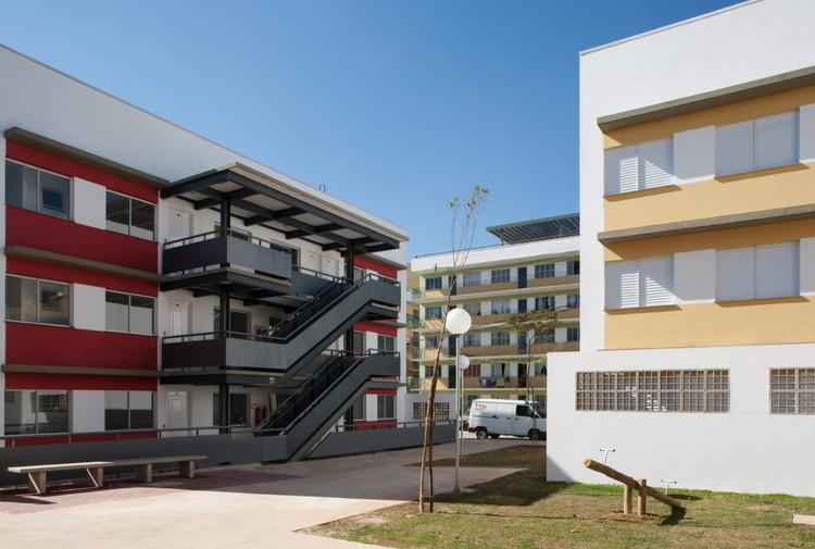Com foco nas Eleições, arquitetos propõem política habitacional com múltiplas soluções, Residencial Alexandre Mackenzie, em Jaguaré (SP). Projeto de Boldarini Arquitetos Associados. Image © Daniel Ducci
