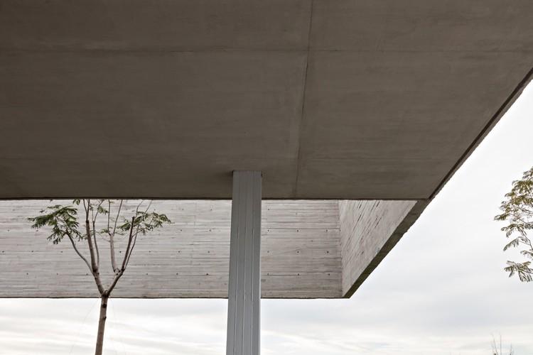 Lamas House / moarqs + OTTOLENGHI architects. Imagen © Albano Garcia